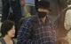 Tài tử So Ji Sub bịt khẩu trang kín mít nhưng vẫn hút mọi ánh nhìn bởi thân hình cao lớn khi đến VN