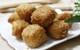 Bánh đậu chiên xù giòn rụm nóng hổi đảm bảo cả nhà đều mê