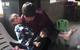 Góa phụ chăm sóc hàng xóm tàn tật hơn 30 năm: 'Đó là định mệnh'