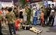 Hà Nội: Cô gái trẻ chơi xe điện tự hành bị ngã chấn thương tại phố đi bộ Hồ Gươm