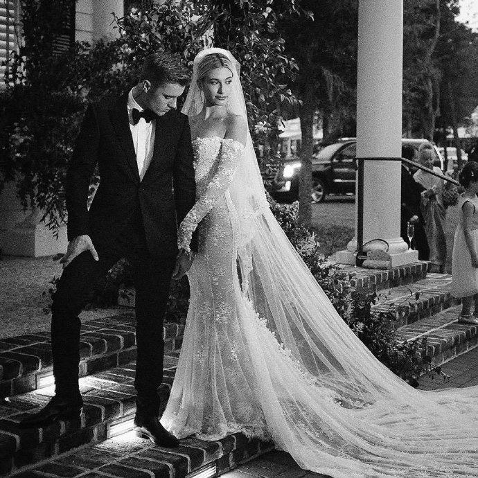 Justin Bieber kỷ niệm 1 năm tổ chức hôn lễ với Hailey Baldwin, tâm sự mùi mẫn và ảnh hiếm tình bể bình được chia sẻ - Ảnh 6.