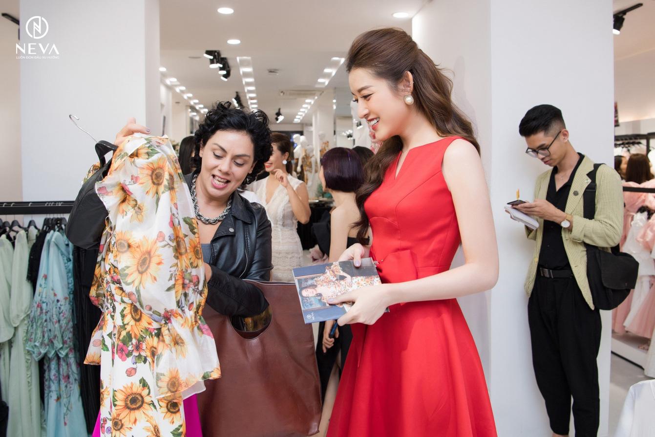 """Neva """"cháy hàng"""" sau vài giờ khai trương showroom 41 Thái Hà với sự tham gia của loạt mỹ nhân Việt - Ảnh 3."""