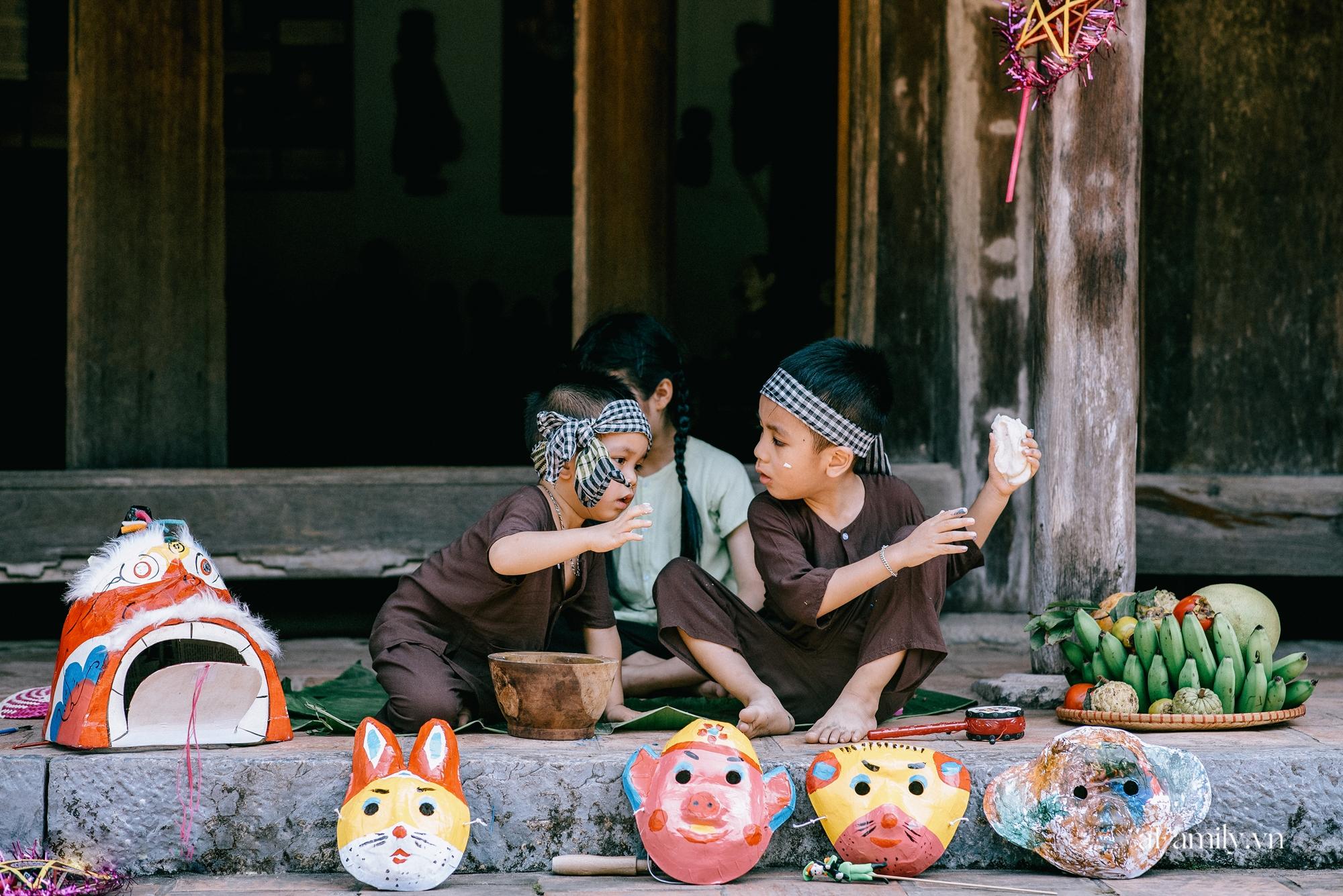 Trung thu cũ xưa ngay giữa lòng Hà Nội, nơi các em nhỏ được tận hưởng niềm vui còn bố mẹ thì được trở lại tuổi thơ chỉ với 40.000 đồng - Ảnh 5.