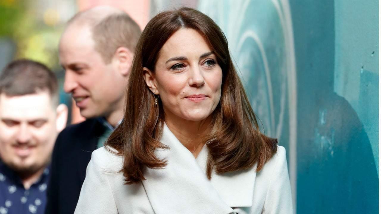 Bí mật dưỡng tóc của Công nương Kate được chính nhà tạo mẫu tóc Hoàng gia Anh tiết lộ - Ảnh 3.