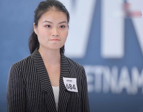 """Những phát ngôn """"xéo xắt"""" của Nam Trung tại Vietnam's Next Top Model 2020: Người khen hài hước, kẻ """"ném đá"""" vì quá chua ngoa - Ảnh 10."""