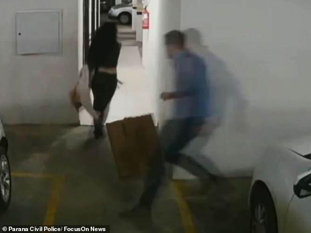 """Nữ luật sư bị chồng ném chết từ tầng 4, hình ảnh cuối cùng của nạn nhân vật lộn với """"tử thần"""" trong thang máy khiến ai cũng rùng mình kinh hãi - Ảnh 3."""