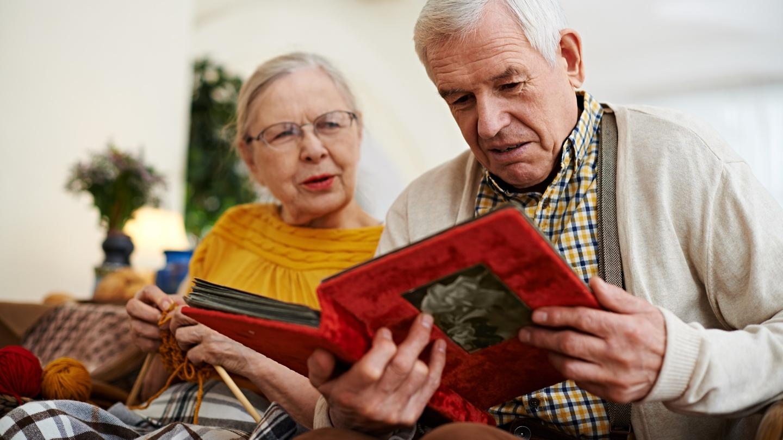Những điều bạn cần biết để chuẩn bị cho việc chăm sóc cha mẹ khi về già - Ảnh 1.