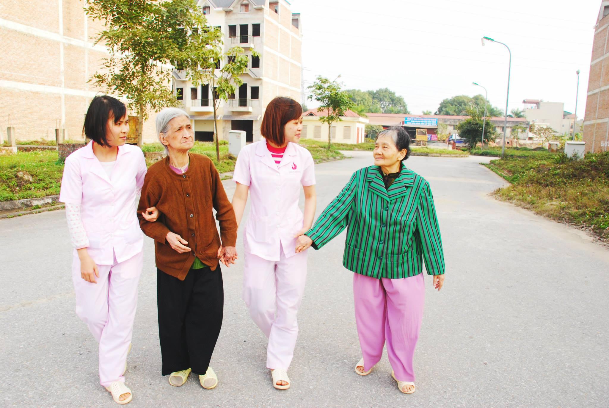 Những điều bạn cần biết để chuẩn bị cho việc chăm sóc cha mẹ khi về già - Ảnh 3.