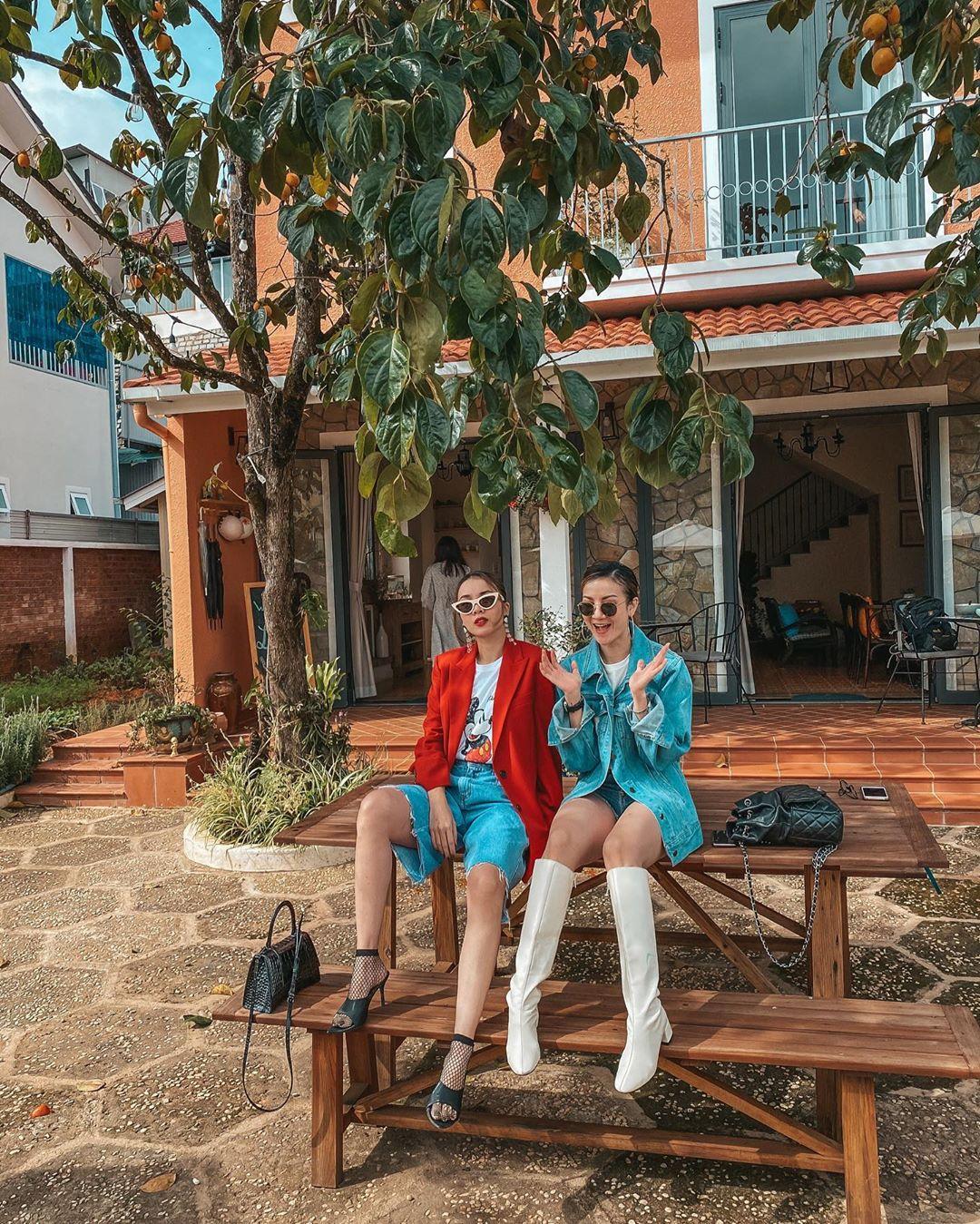 """3 kiểu áo khoác khi trở lạnh được lòng hội chị em tuổi 30+ """"nhà Vbiz"""": Phạm Quỳnh Anh nhìn như idol Kpop, Hà Tăng lại hack tuổi đỉnh cao không thua gái 18 - Ảnh 10."""