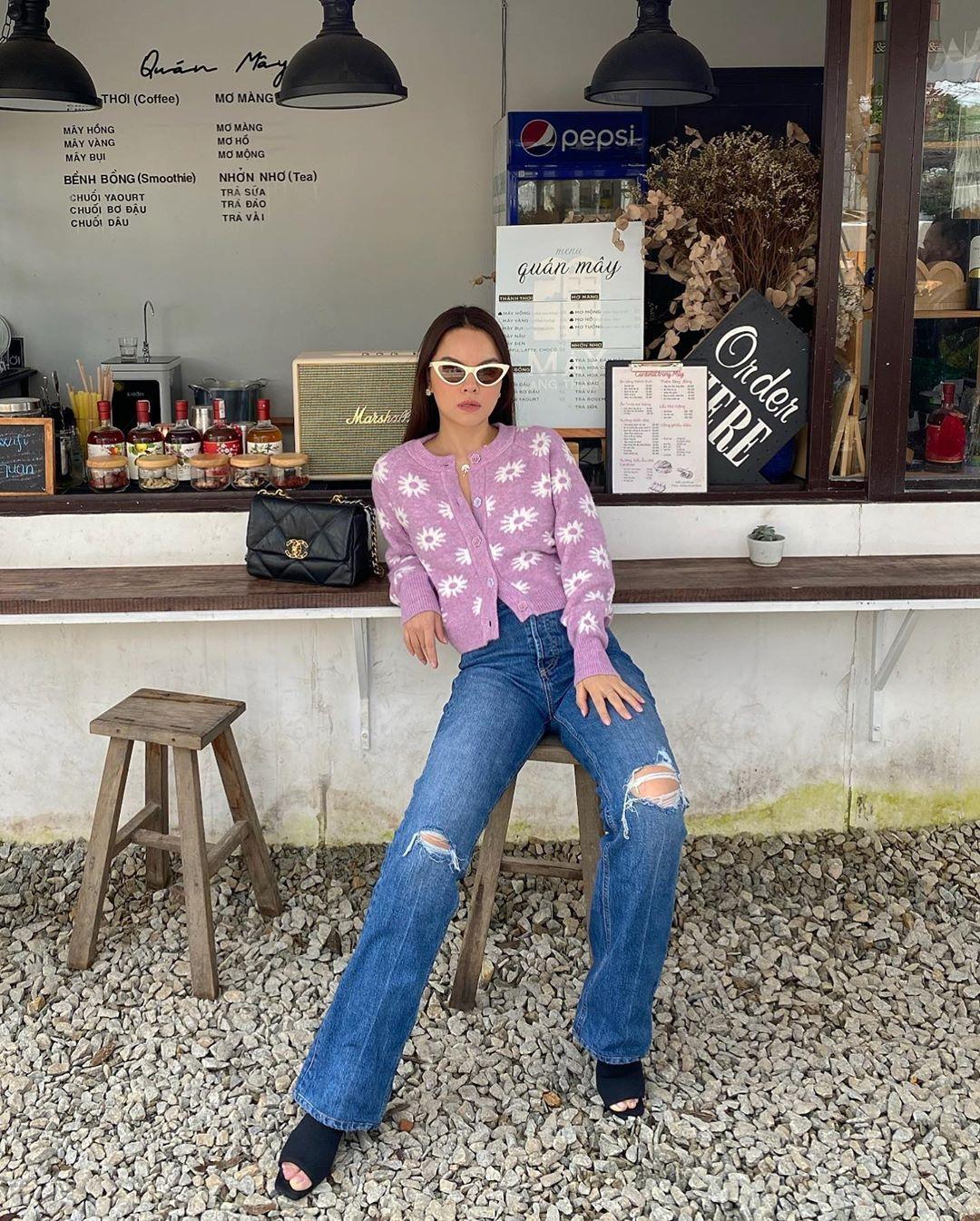 """3 kiểu áo khoác khi trở lạnh được lòng hội chị em tuổi 30+ """"nhà Vbiz"""": Phạm Quỳnh Anh nhìn như idol Kpop, Hà Tăng lại hack tuổi đỉnh cao không thua gái 18 - Ảnh 7."""