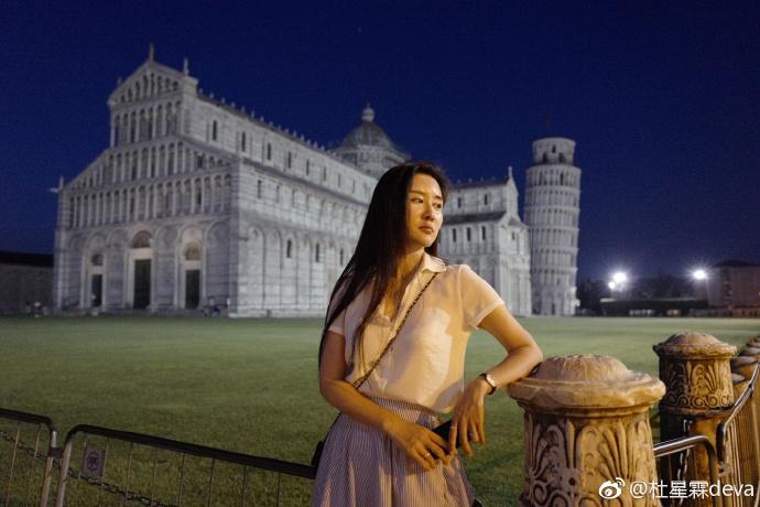 """Vợ """"nhí"""" kém 36 tuổi của """"ông trùm phim Kim Dung"""": Nhan sắc tuổi 30 xinh tựa thần tiên tỉ tỉ, mê đồ cổ trang - Ảnh 9."""