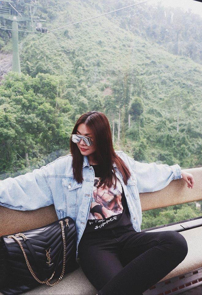 """3 kiểu áo khoác khi trở lạnh được lòng hội chị em tuổi 30+ """"nhà Vbiz"""": Phạm Quỳnh Anh nhìn như idol Kpop, Hà Tăng lại hack tuổi đỉnh cao không thua gái 18 - Ảnh 12."""