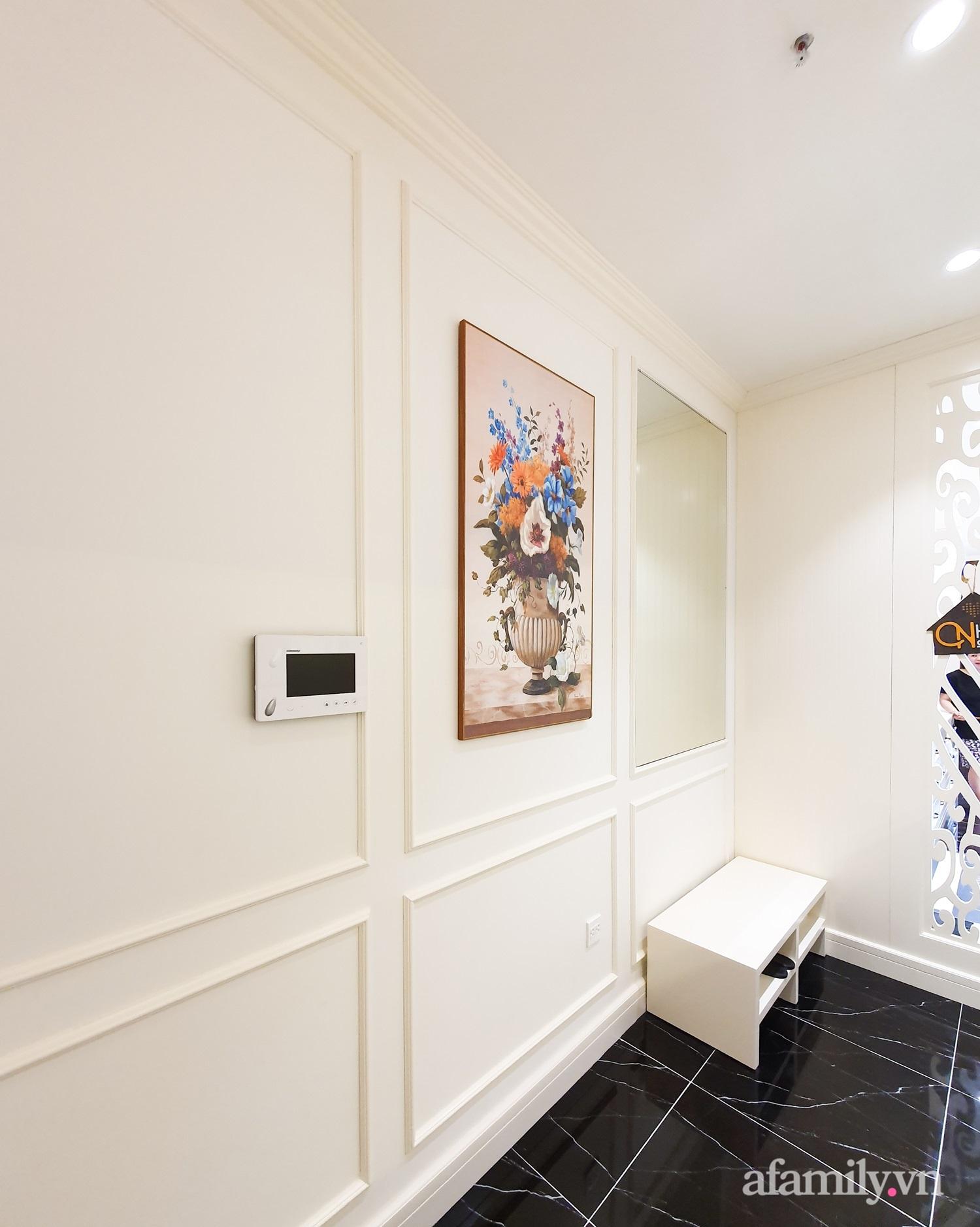 Căn hộ 121m² đẹp sang chảnh với phong cách bán cổ điển ở Hà Nội - Ảnh 1.