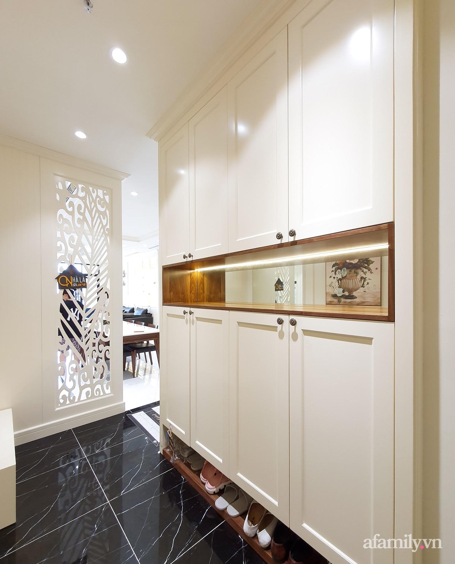 Căn hộ 121m² đẹp sang chảnh với phong cách bán cổ điển ở Hà Nội - Ảnh 2.