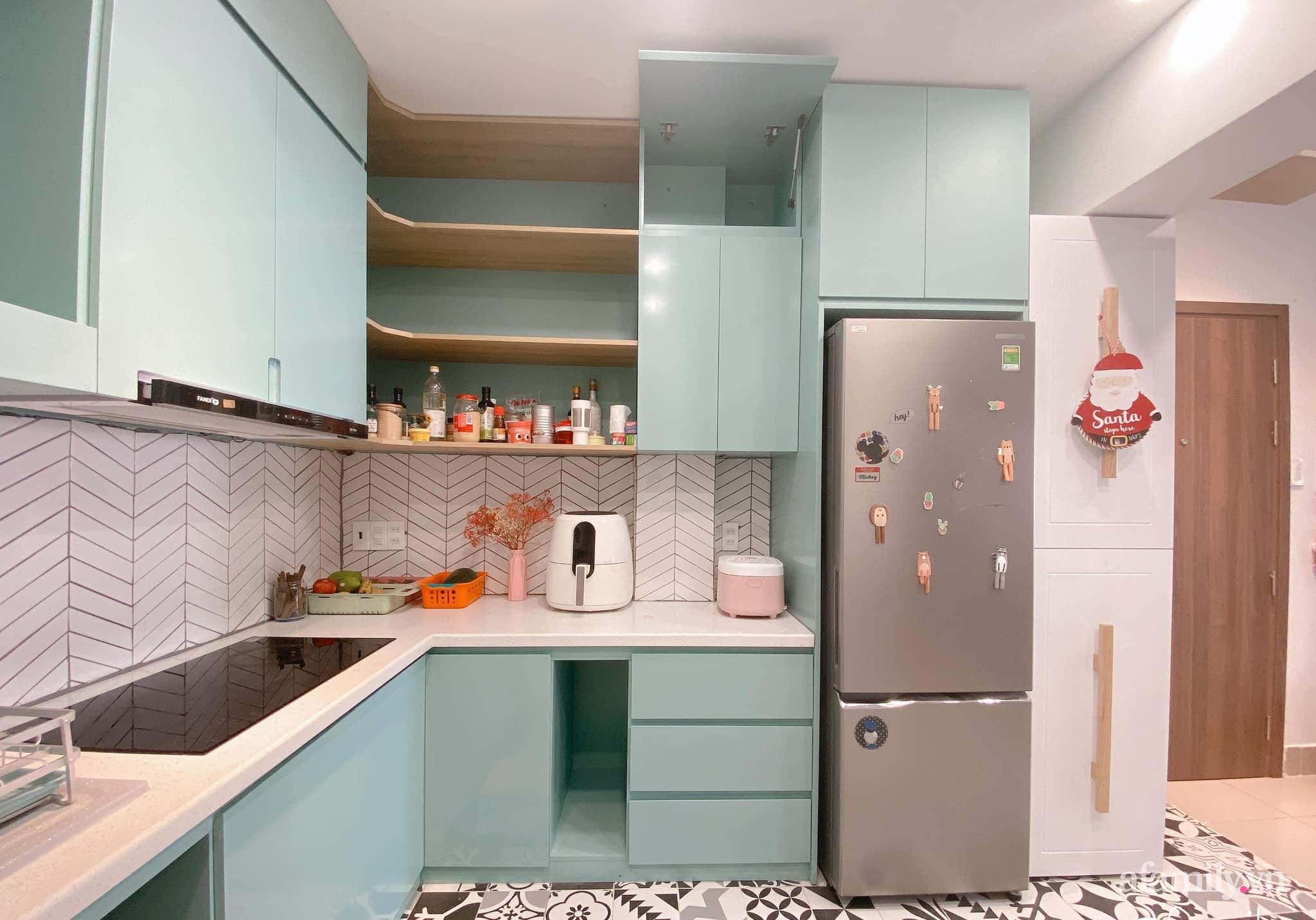 """Căn bếp chật chội được vợ """"thuyết phục"""" chồng đập đi cải tạo lại thành không gian tiện nghi với chi phí hơn 90 triệu đồng ở Hà Nội - Ảnh 8."""