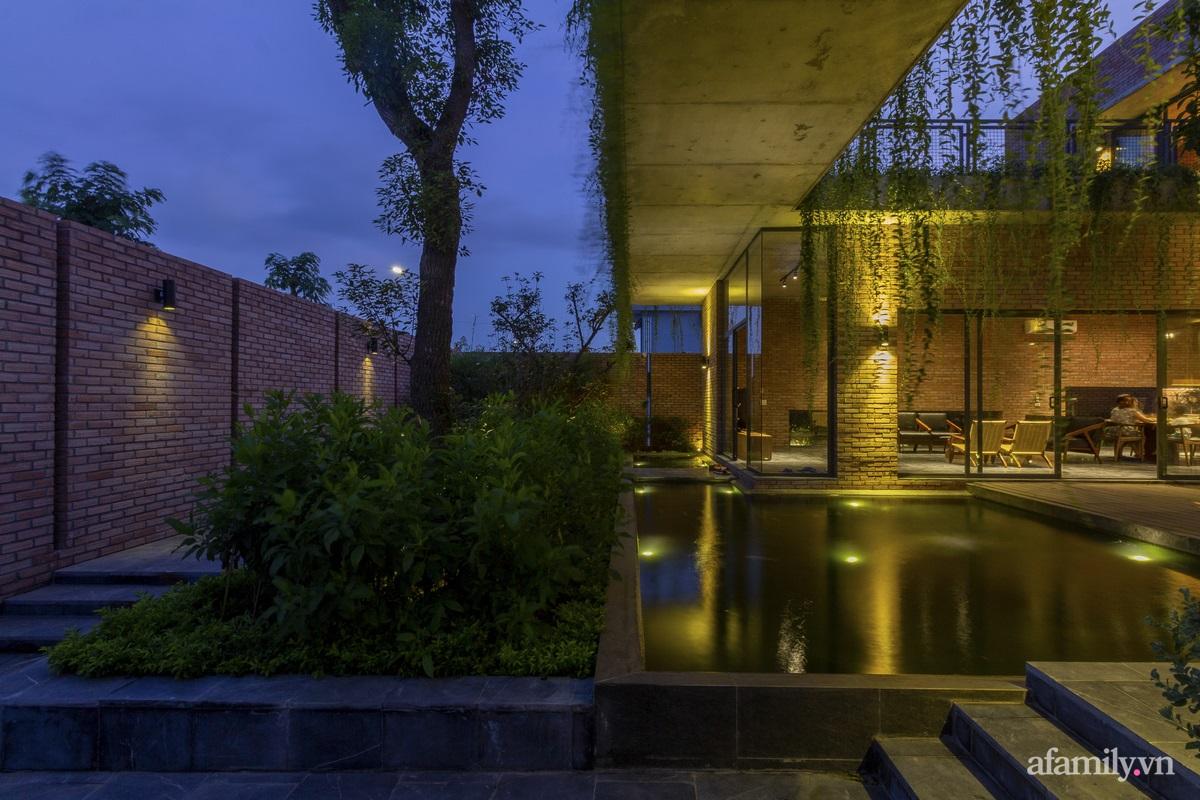 ngoi nha gach 15 1602555644611548090700 - Ngôi nhà gạch 400m² ấn tượng với sự kết hợp giữa gạch nung và cây leo ở Quảng Ninh