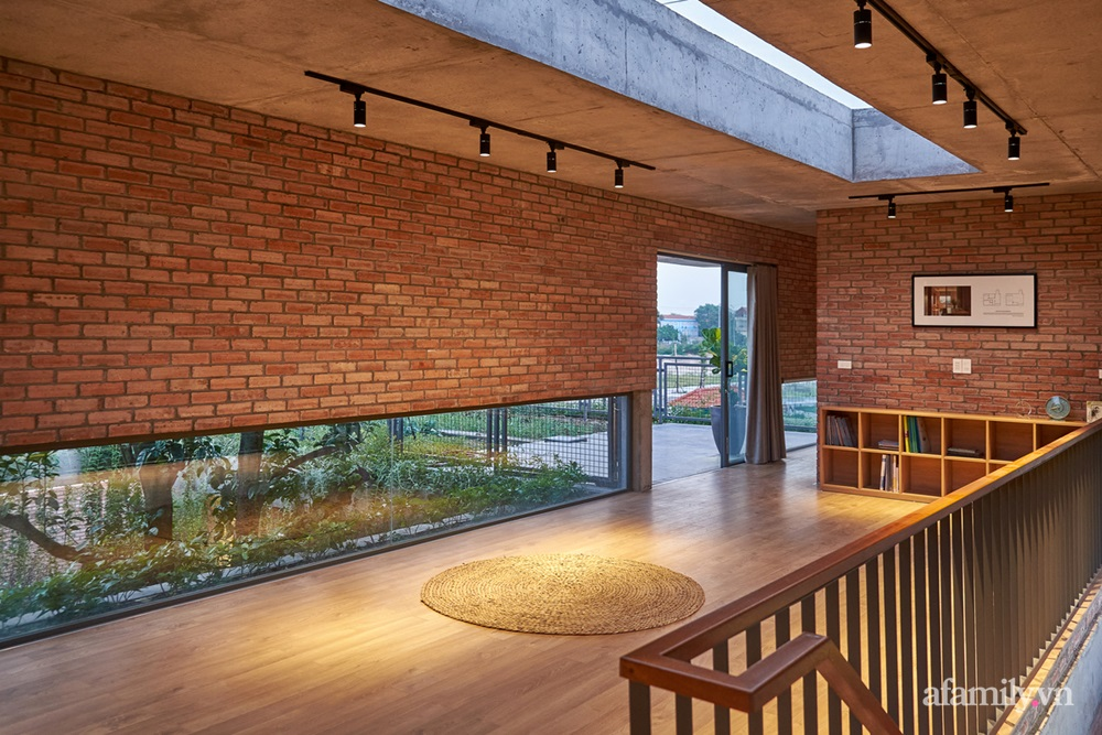 ngoi nha gach 25 1602555645304520362084 - Ngôi nhà gạch 400m² ấn tượng với sự kết hợp giữa gạch nung và cây leo ở Quảng Ninh