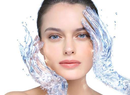 7 cách cấp nước cho làn da căng mọng, trẻ trung - Ảnh 1.