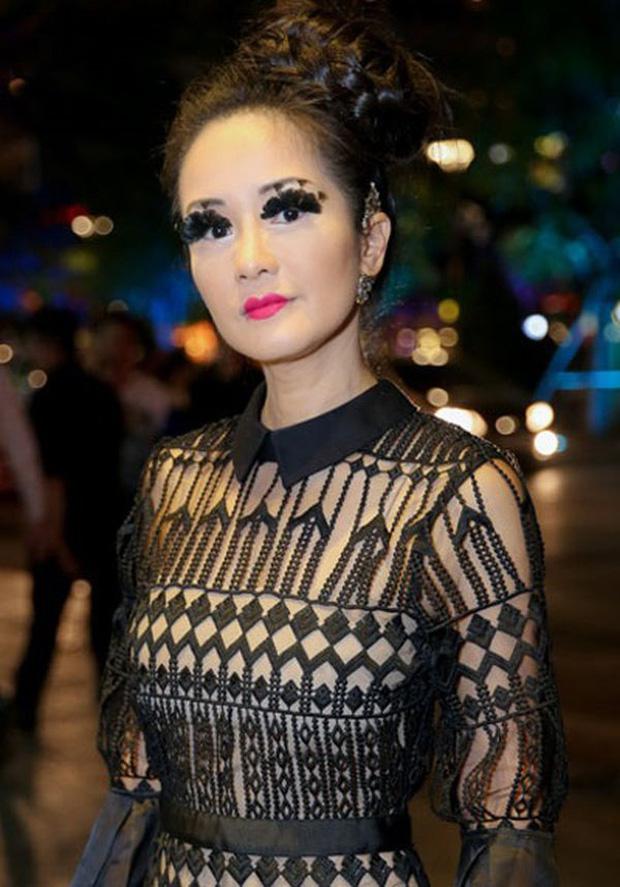 Dàn mỹ nhân Vbiz trợn trừng vì makeup lỗi: Chục pha trợn mắt kinh điển của Angela Baby cộng lại cũng đâu có cửa! - Ảnh 6.