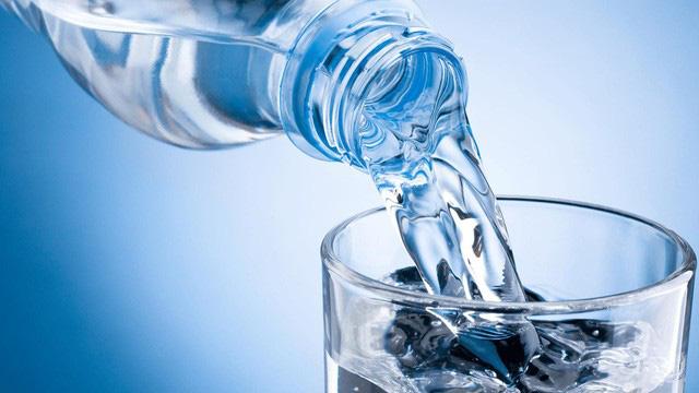 7 cách cấp nước cho làn da căng mọng, trẻ trung - Ảnh 2.