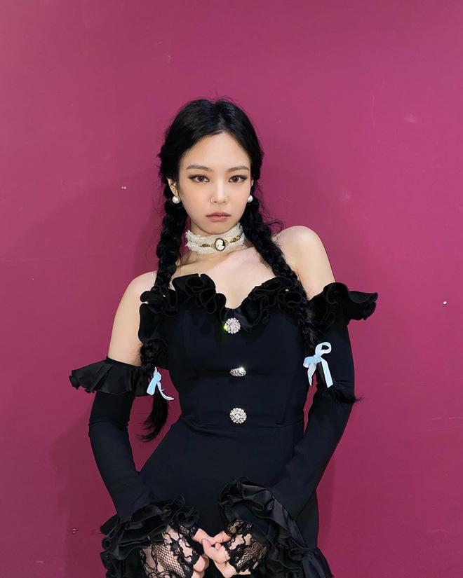 Đối đầu Jennie, Nayeon nhạt nhòa cả về thần thái lẫn tạo hình, may mà có nhan sắc vớt điểm - Ảnh 5.