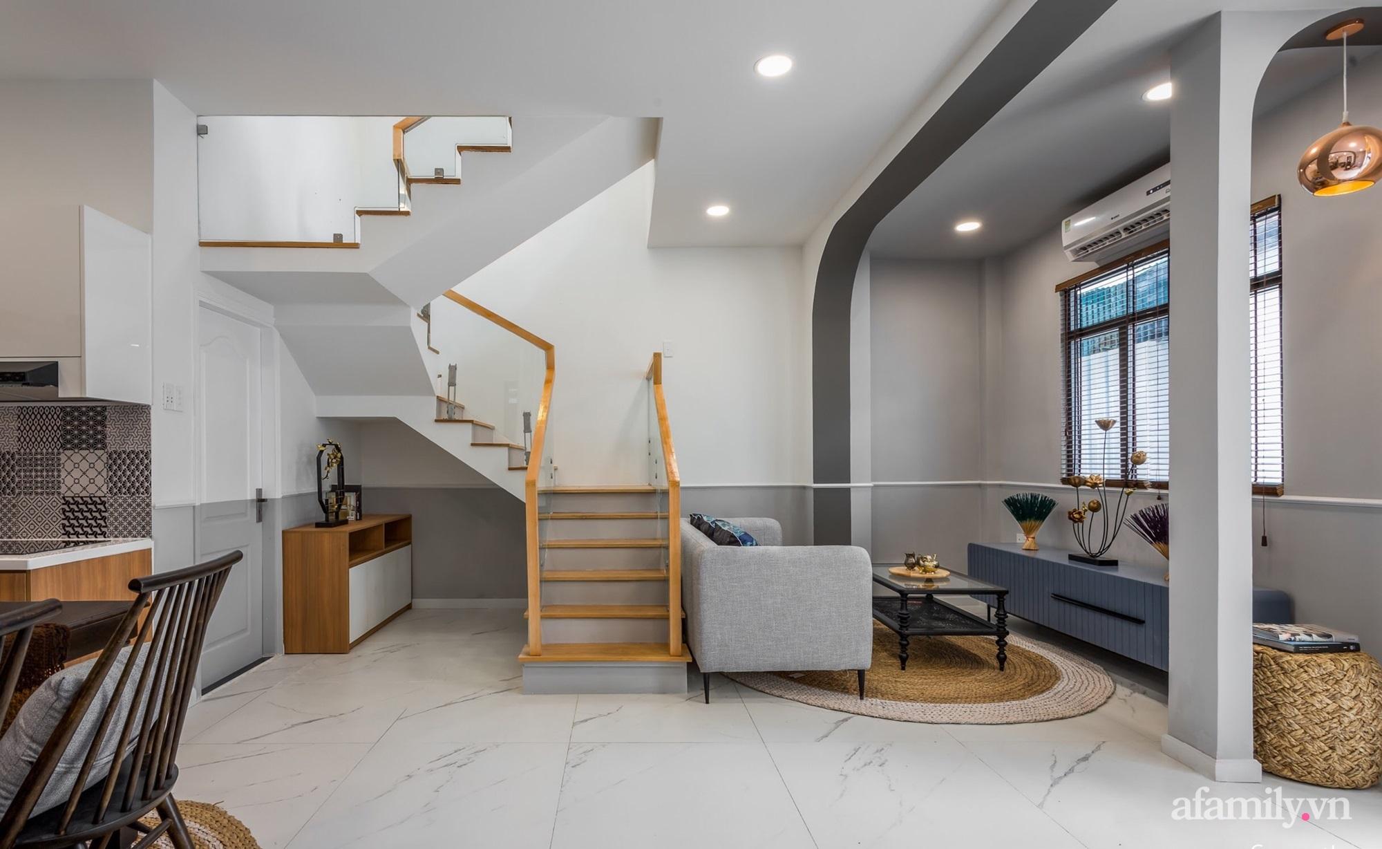 Căn nhà phố cũ kỹ rộng 80m² được cải tạo đẹp tiện nghi với gam màu sáng có chi phí 650 triệu đồng - Ảnh 9.