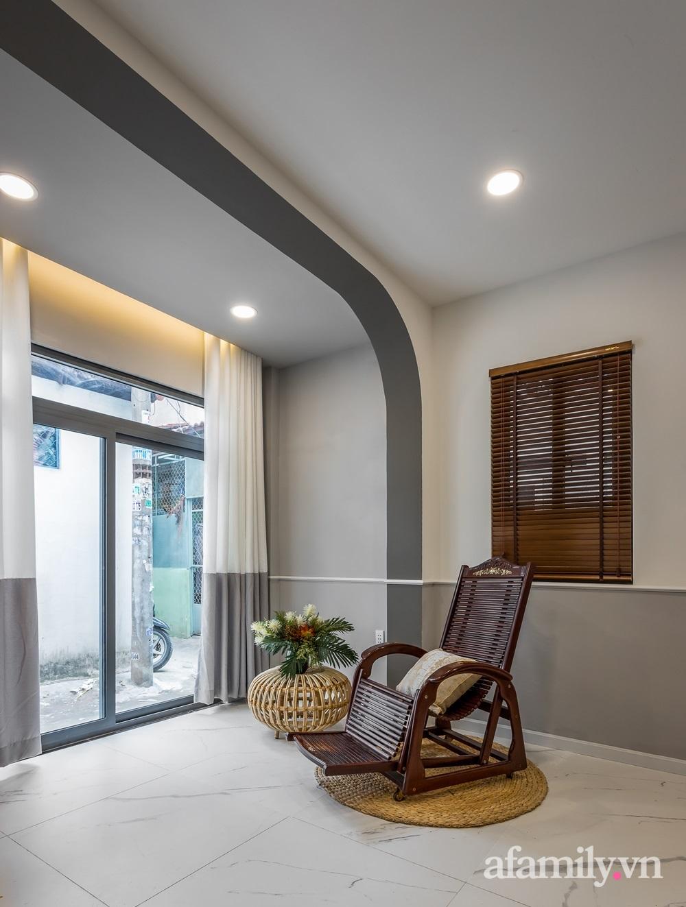 Căn nhà phố cũ kỹ rộng 80m² được cải tạo đẹp tiện nghi với gam màu sáng có chi phí 650 triệu đồng - Ảnh 14.