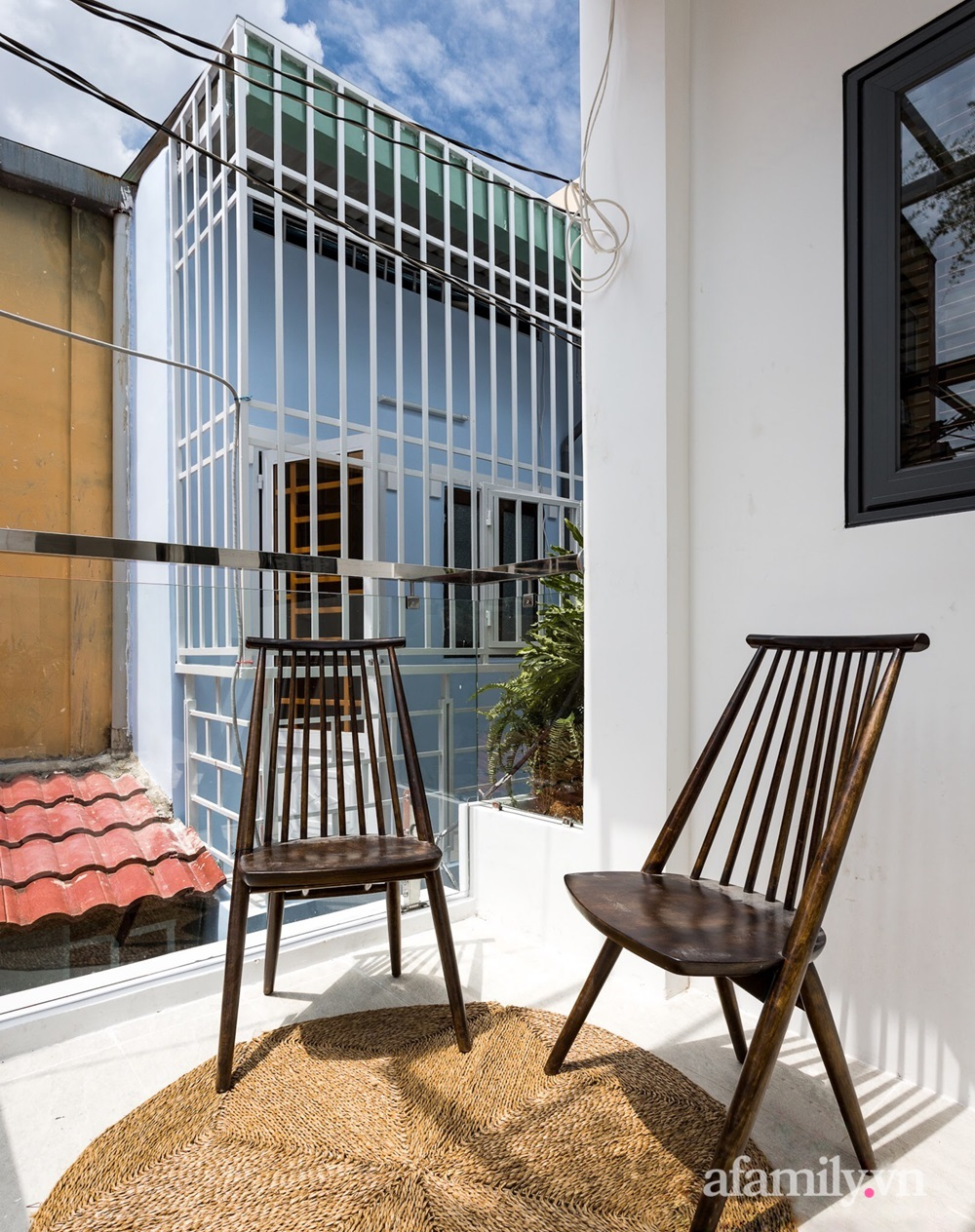 Căn nhà phố cũ kỹ rộng 80m² được cải tạo đẹp tiện nghi với gam màu sáng có chi phí 650 triệu đồng - Ảnh 15.