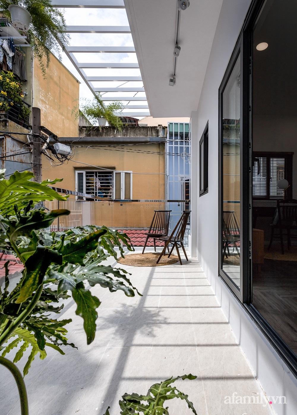 Căn nhà phố cũ kỹ rộng 80m² được cải tạo đẹp tiện nghi với gam màu sáng có chi phí 650 triệu đồng - Ảnh 16.