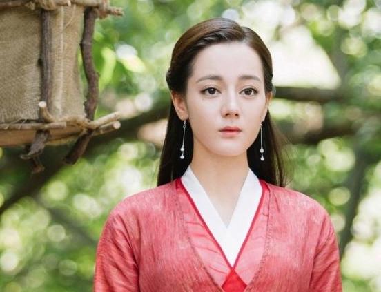 """""""Bạn trai tôi là hồ ly"""": Lee Dong Wook bị tố đạo nhái tạo hình của Địch Lệ Nhiệt Ba trong """"Tam sinh tam thế Chẩm thượng thư"""" - Ảnh 4."""