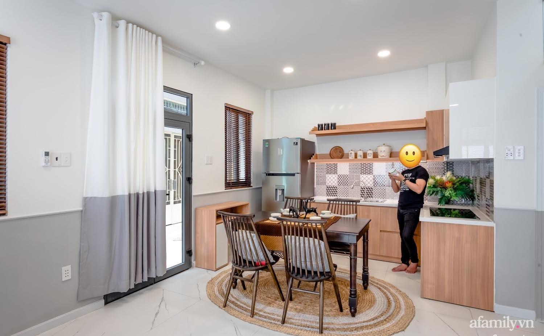 Căn nhà phố cũ kỹ rộng 80m² được cải tạo đẹp tiện nghi với gam màu sáng có chi phí 650 triệu đồng - Ảnh 5.