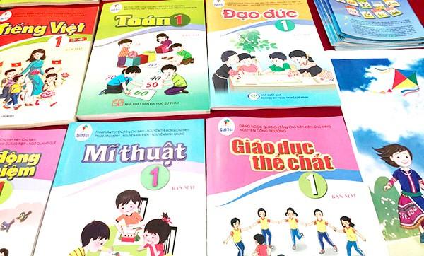 """""""Lọt sạn"""" trong SGK Tiếng Việt 1, trách nhiệm thuộc về ai?"""