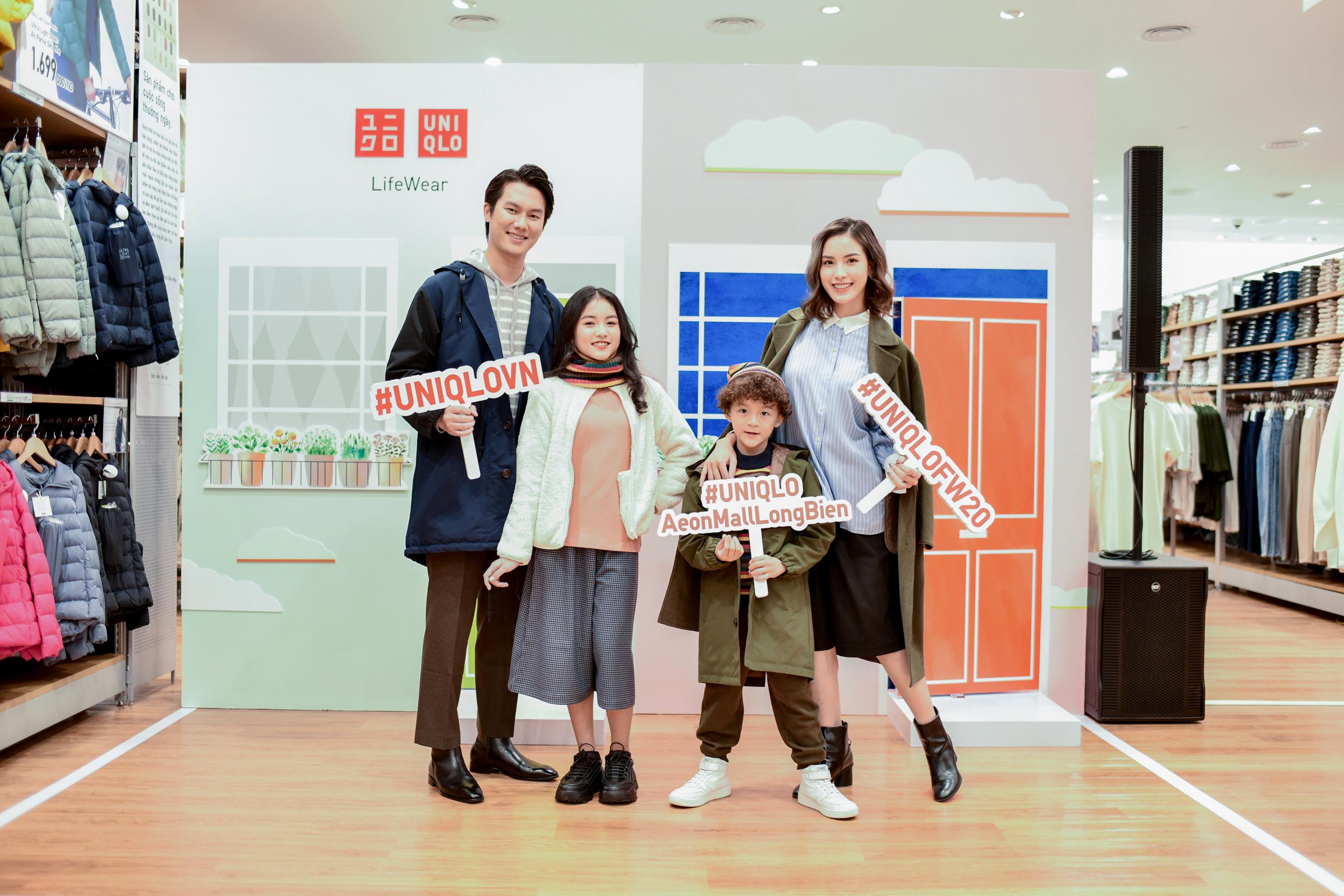 Á hậu Thụy Vân và gia đình diễn viên Mạnh Tường dự khai trước store thứ 3 của UNIQLO tại Hà Nội - Ảnh 2.