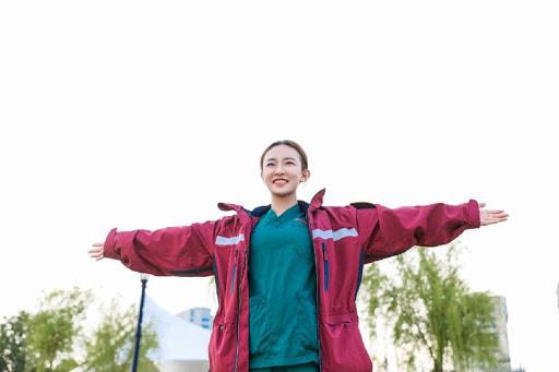 Vụ lật tẩy thân phận nữ y tá xinh đẹp nhất chống dịch ở Vũ Hán: Nơi làm việc của nữ chính đáp trả dư luận và kêu gọi sự khoan dung - ảnh 2