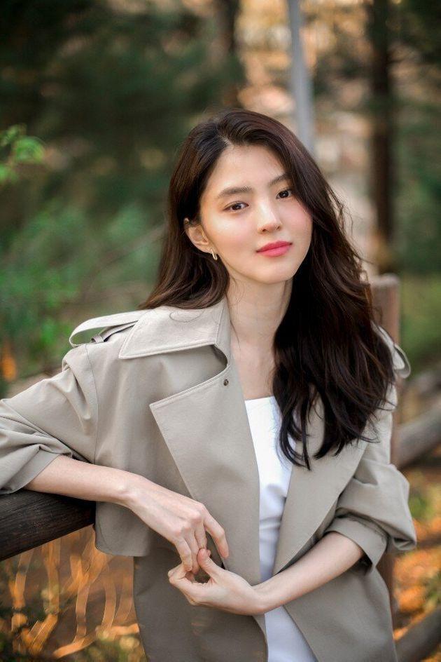 """Soi nhược điểm mặt lệch, mũi ngắn của """"nàng tiểu tam"""" hot nhất xứ Hàn: Lý do cô hiếm khi đổi kiểu tóc là đây"""