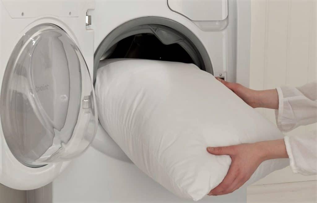 Có thể bạn chưa biết: Cách giặt chăn gối bằng máy giặt vừa nhanh vừa sạch nhất - Ảnh 10.