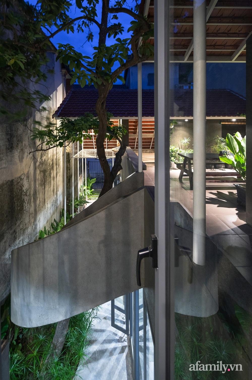 12109738338474802786185093585873821460721658o 16029026256091672890820 - Ngôi nhà màu xanh mát mắt không cần dùng đến điều hòa ở giữa thành phố của gió Lào và nắng cháy – Vinh, Nghệ An