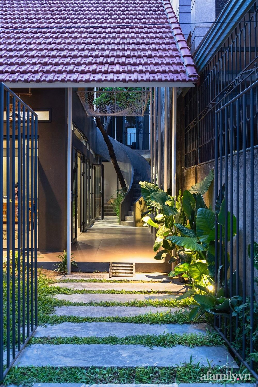 Ngôi nhà màu xanh mát mắt không cần dùng đến điều hòa tọa lạc ngay giữa thành phố của gió Lào và nắng cháy – Vinh - Ảnh 4.