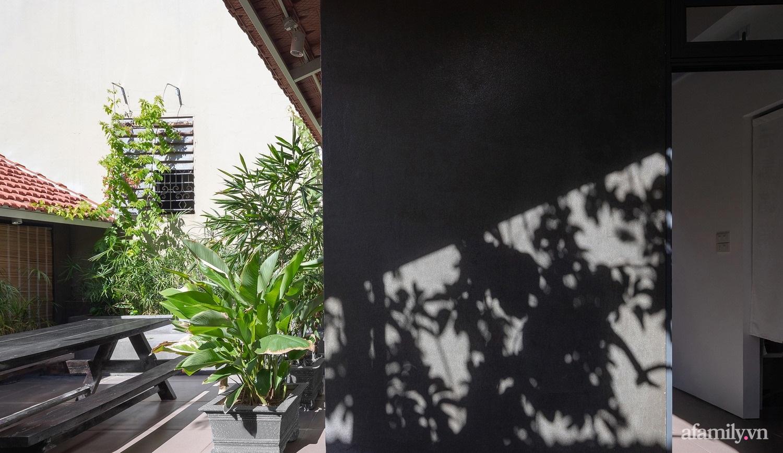 Ngôi nhà màu xanh mát mắt không cần dùng đến điều hòa tọa lạc ngay giữa thành phố của gió Lào và nắng cháy – Vinh - Ảnh 11.