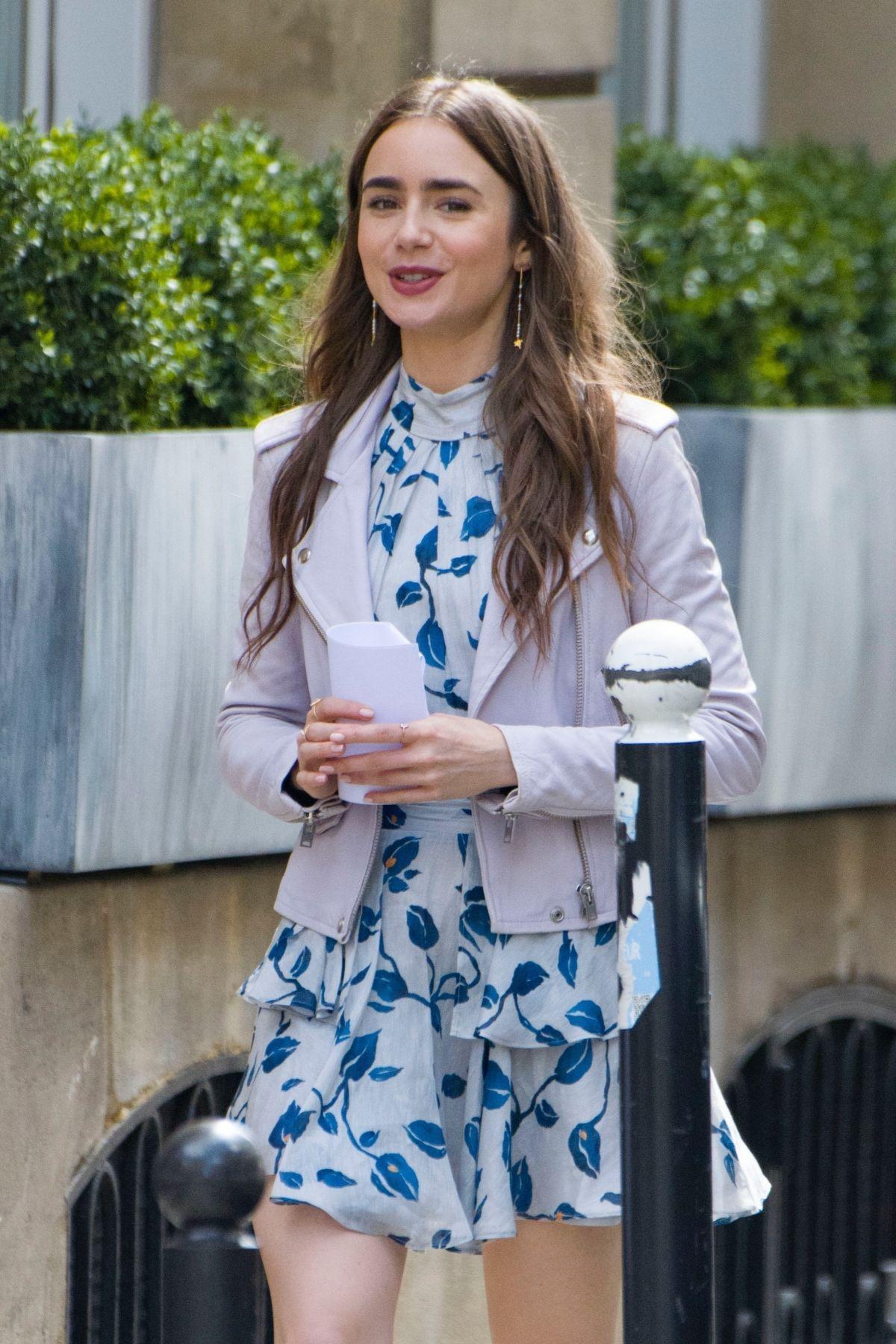 """Nữ chính Emily in Paris bật mí chai nước hoa chuẩn gái Pháp, muốn ghi điểm thanh lịch tinh tế thì hội chị em hãy """"hóng"""" ngay - Ảnh 1."""