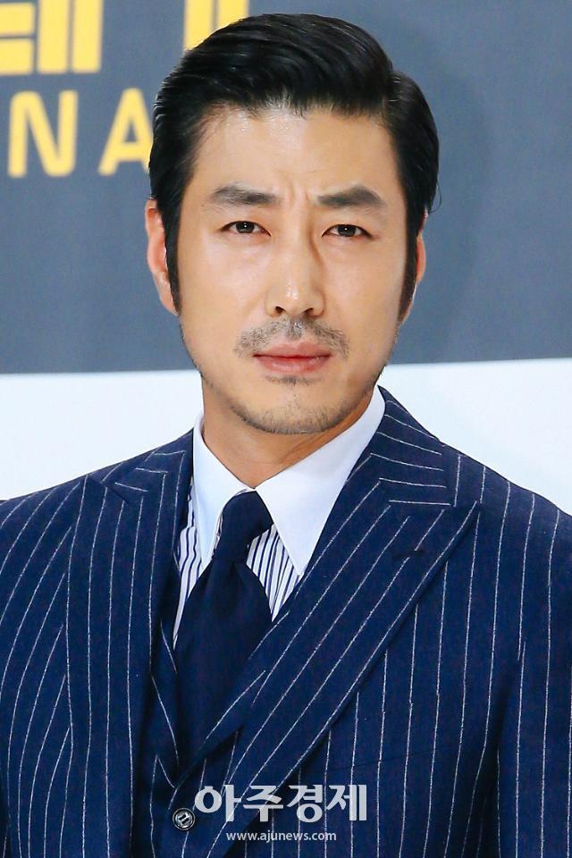 """3 sao Hàn là phiên bản """"con nhà siêu giàu châu Á"""" ngoài đời thật: Kang Dong Won, Choi Siwon ai cũng biết nhưng vẫn kém một chút so với nam diễn viên gia thế khủng này - Ảnh 5."""