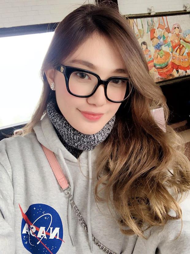 """So kè nhan sắc đời thường dàn Hoa khôi tại Hoa hậu Việt Nam 2020: Đại diện Ngoại thương lộ khuyết điểm, """"Người đẹp Kinh Bắc"""" xuất sắc cỡ nào mà được đặc cách? - Ảnh 20."""