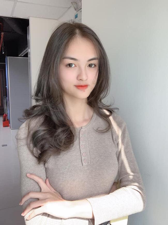 So kè nhan sắc dàn Hoa khôi tại Hoa hậu Việt Nam 2020: Đại diện Ngoại thương nổi bật từ vòng hồ sơ nhưng đối thủ này còn được đặc cách vào thẳng Bán kết - Ảnh 5.