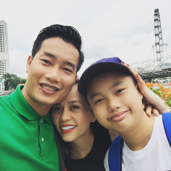 """MC Hoa Thanh Tùng có cậu con trai """"sao y bản chính"""", học ở trường quốc tế với mức học phí """"dân thường"""" nghe xong ngất xỉu - Ảnh 1."""