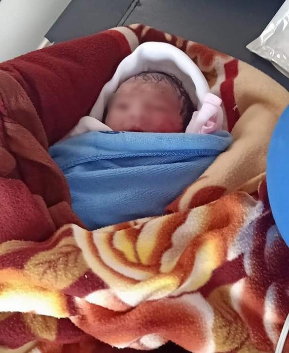 Thái Bình: Cô gái bỏ rơi bé sơ sinh nguyên dây rốn chính là con của người phát hiện - Ảnh 1.
