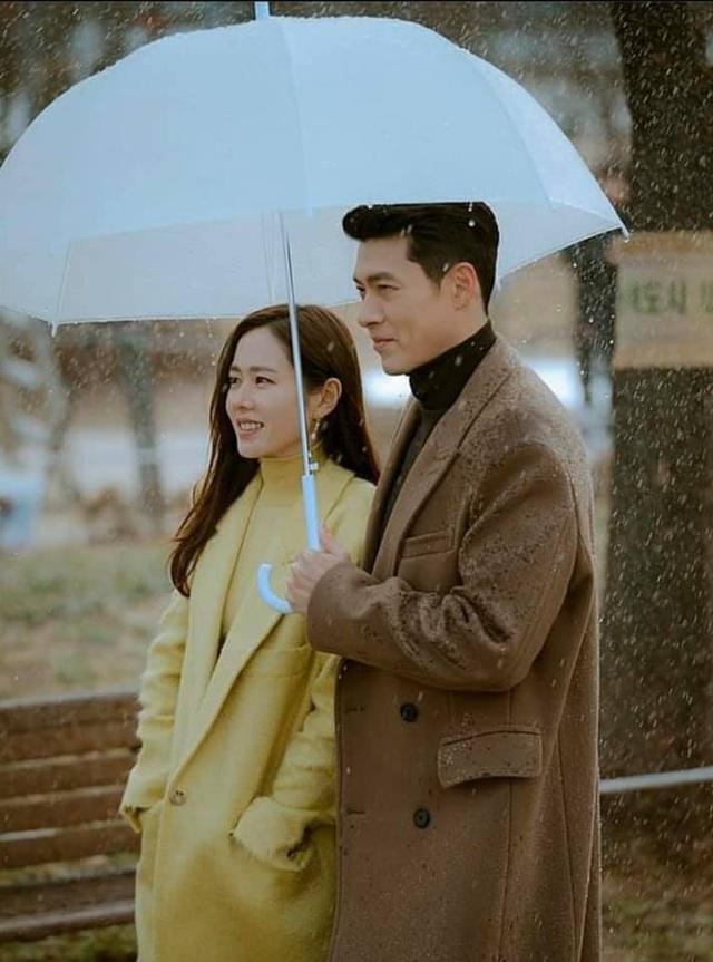 """Bị hỏi chuyện yêu đương, Son Ye Jin mặt biến sắc, biểu cảm của Hyun Bin gây chú ý vì bị """"bắt thóp""""? - Ảnh 7."""