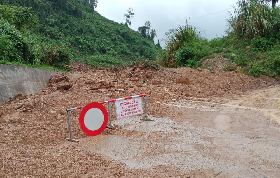 Lũ lịch sử ở Quảng Bình: Hơn 34.000 nhà dân ngập lụt, dân cuống cuồng chạy lũ trong đêm - Ảnh 7.