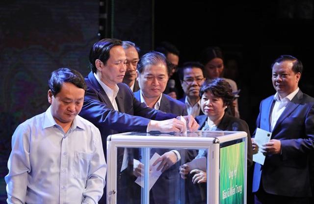Tổng bí thư, Chủ tịch nước kêu gọi giúp đỡ đồng bào vùng lũ lụt - Ảnh 2.