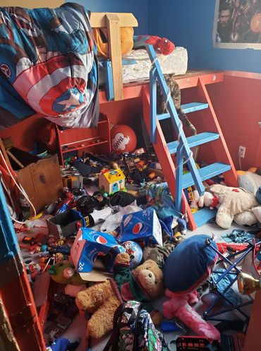 """Loạt ảnh chụp hiện trường nhà cửa tan hoang chứng minh lũ trẻ là những """"kẻ phá hoại"""" số 1 trên đời - Ảnh 3."""