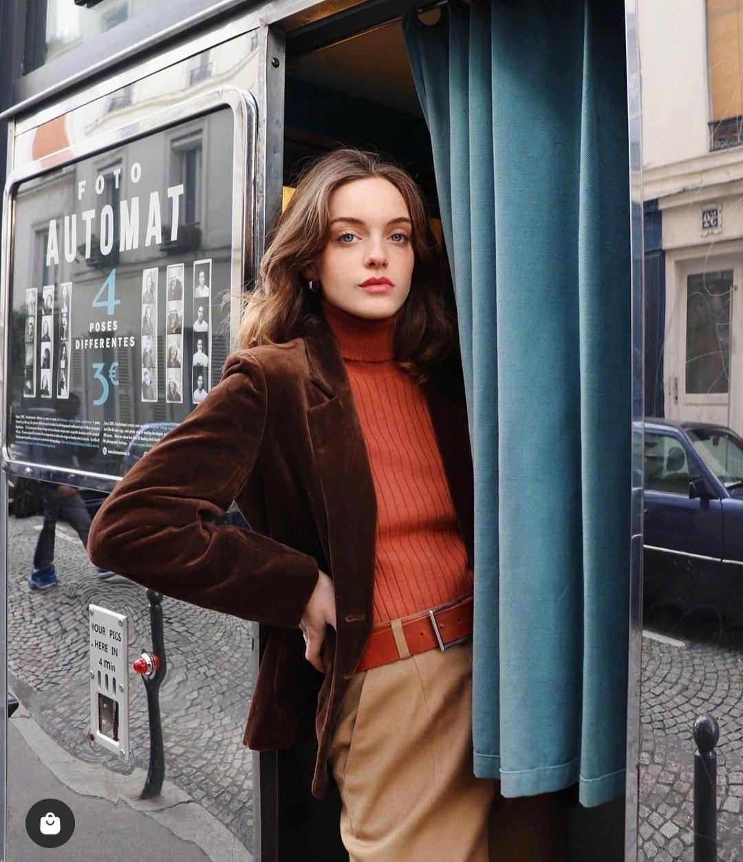3 kiểu áo len phụ nữ Pháp hay diện nhất mùa lạnh, muốn thăng hạng style thì bạn phải update ngay - Ảnh 4.